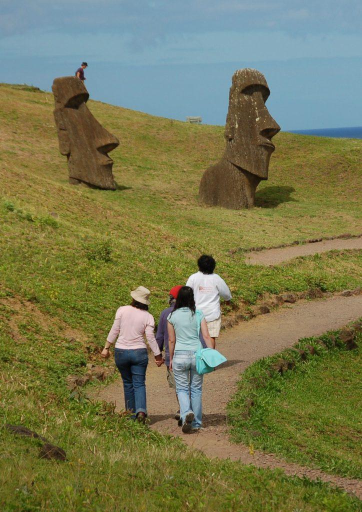 actividad trekking isla de pascua